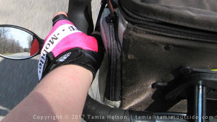 Pinched Thumbs (c) Tamia Nelson - Verloren Hoop